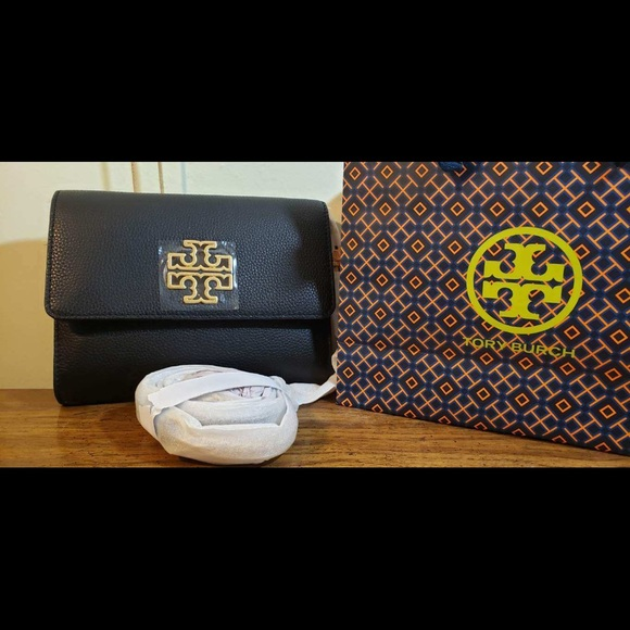 Tory Burch Handbags - Tory Burch Britten Chain Wallet